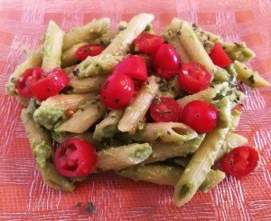 Pâtes sauce avocat et tomates cerises
