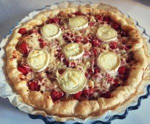 Tart'pizza au poulet, chèvre et tomates cerises